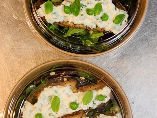Jules Bistrot Gourmand DIP DE FROMAGE ET PETITS POIS FRAIS