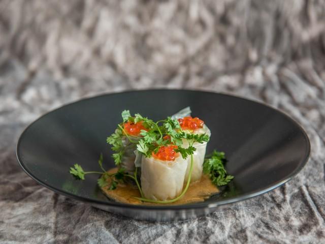 Restaurant Jules Rouleaux de printemps au saumon mariné & son beurre de cacahuètes